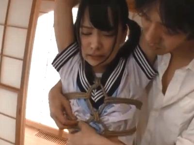 「嫌ぁぁぁ!もうやめて!」変態オヤジに縛り上げられ容赦なくレイプされるロリっ娘