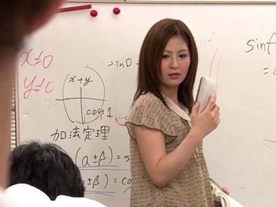 夏期講習で薄着の塾講師と背徳のSEX