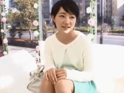 インタビューと称してナンパした女子大生に生チンハメ→顔射!