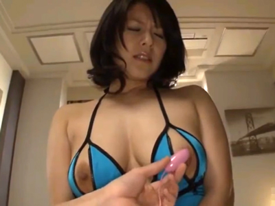 変態衣装を着た巨乳妻がオモチャで激イキ興奮FUCK