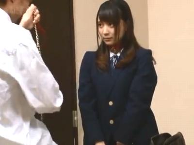 「いっぱい突いてくださぃ」真性ドMな美少女女子高生に首輪を付けて膣内射精調教!