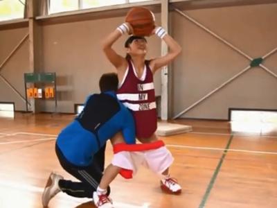 バスケ部美少女を練習と称して顔射レイプするクズコーチ