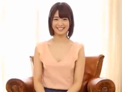 素人美少女のテクニカルなバキュームフェラを初披露披露