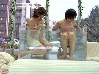 友達男女がMM号で混浴体験→過激ミッションの連続に欲情パコ