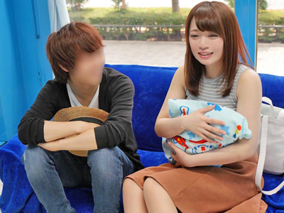 子持ちの新婚ママがシングルファザーの悩みを聞いているうちに流されSEX