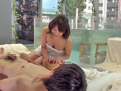 MM号で男女の友達が混浴→友情をもっと深める中出しSEX