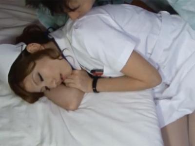 夜勤で疲れて眠っていた美人ナースが欲情男に襲われて強制ハメ展開