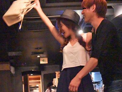 フルVer!関係者にハメられてプライベートSEXを盗撮される日本一の女優