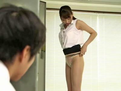 着替えを覗いていることが先生にバレて痴女られラッキーパコ