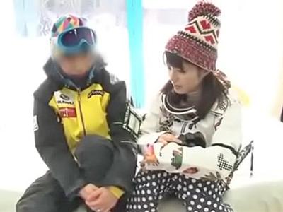スキーに来ていたカップルをMM号に乗せてNTR
