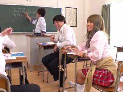 何でもありなDQN校のヤリマンJK→同級生の陰キャチンポでアヘ顔イキw