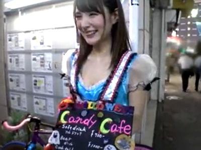 池袋のコスプレカフェで働いてる美少女GET→バイトのあとにホテルに連れ込んでハメ撮りOK