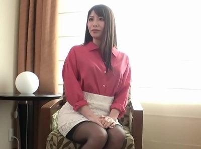 「ひゃぁあ!しゅんごぃ♡」止まらない男優ピストンでトランス状態になる美女に強烈スパンキング!