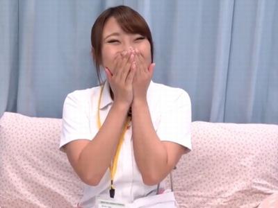 笑顔がキュートで美巨乳な24歳看護師!激務のストレスを発散して暴発中出し受精