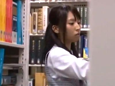 美人OLが図書館で狙われる!人気のないところへ呼び出してガッツリハメ撮り!