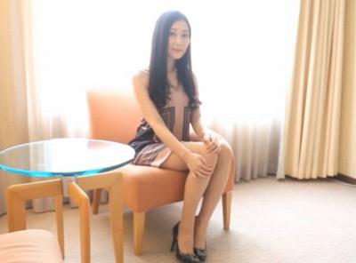 「ぁっ♡ぃぃよ♡」控え目な喘ぎ声の超絶美女!昼間っからホテルの一室でイチャコラパコ