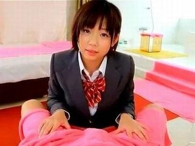 名女優の若かりしJKパコ!ピンク乳首をぷるぷる言わせて制服ファック