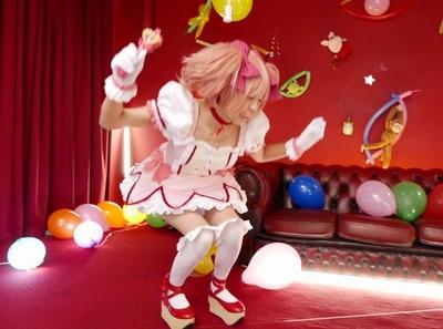 魔法少女が25次元のアニメ世界にあなたを引き込む!再現度高いコスプレ着衣パコ