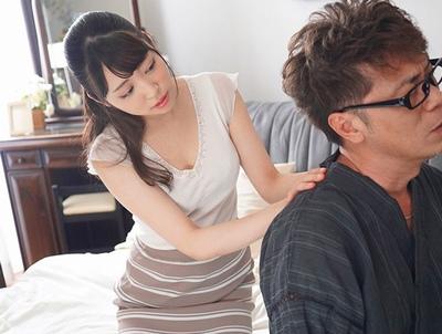 突然の出張で性欲ヤバすぎな親父と押しに弱い妻が2人…心配で心配で仕方がないのだが…