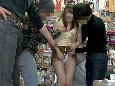 「男の人は…ごっくんがいいの?」ウブな美少女が男たちに囲まれて何度も何度も精飲ご奉仕