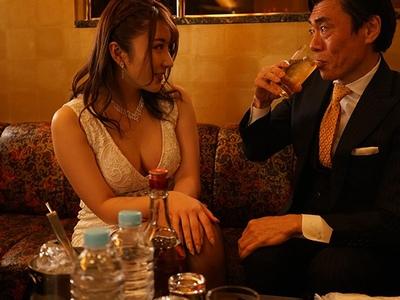コ□ナで銀座の高級クラブも経営難…ママがいない間に金持ち客が強制本番を求めてきて