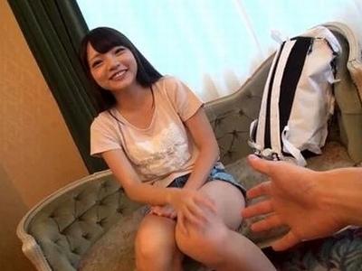 「こんな気持ちぃの初めてかも」年齢よりもずっとロリに見える上京素人に優しくしてハメ撮り成功!