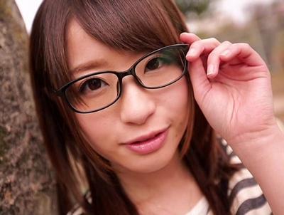 眼鏡JDの整った顔に大量ぶっかけできちゃうバキュームフェラチオ