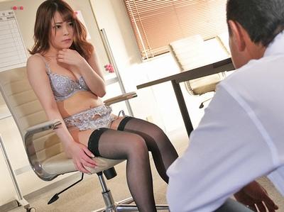 「な、なんで私が…」部下のミスを自らの身体で払うことになった傲慢女上司