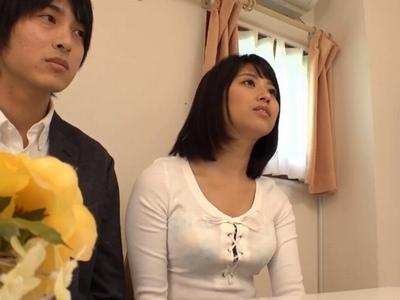 「メモリアル…ヌードフォトです♡」そう聞いてきた美人若妻がイケメンチンポを欲しがる表情!