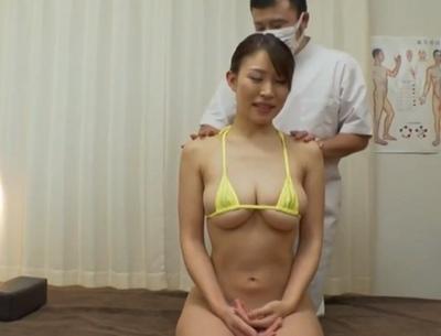 巨乳美女しか請け負わない専門マッサ店が自慢のテクで膣奥までNTRパコ