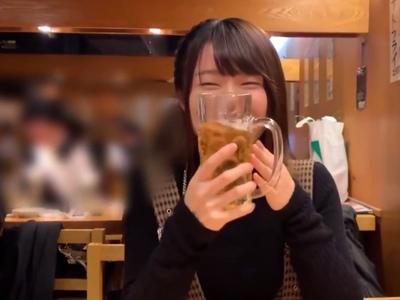 笑顔がめちゃくちゃ可愛いロリ系女子大生とほろ酔い気分でイチャラブ個人撮影!